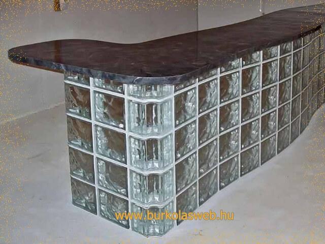 recepciós pult készítés üvegtégla felhasználásával