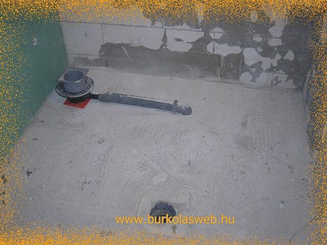 pont vízgyűjtő zuhanylefolyó berakása